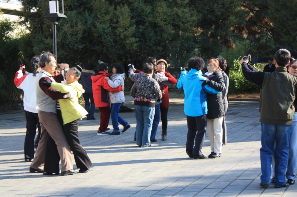 Tiantan dancing