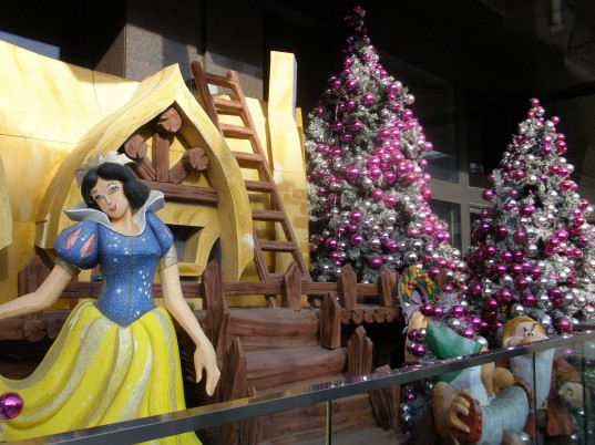 Snow White is ready for a Chinese Christmas